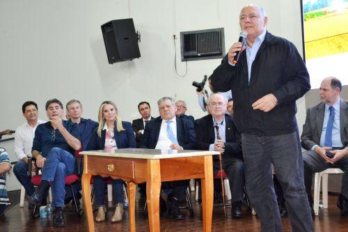 EM CERIMÔNIA EM CASCAVEL,MUNICÍPIO É CONTEMPLADO COM MAIS DE 200 MIL EM RECURSOS