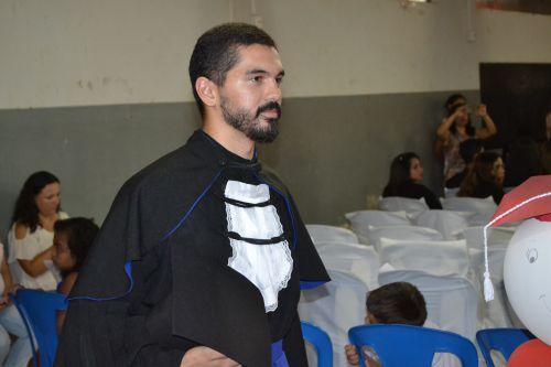 ENSINO FUNDAMENTAL, MÉDIO E TÉCNICO REALIZAM FORMATURAS