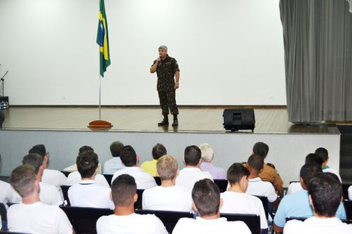 JOVENS DE SÃO JORGE DO PATROCÍNIO E ESPERANÇA NOVA RECEBEM CERTIFICADO DE RESERVISTA