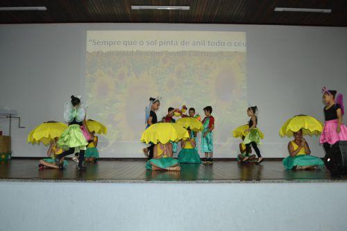 SHOW ARTÍSTICO DA ESCOLA JOÃO BATISTA HOMENAGEIA VINÍCIUS DE MORAES