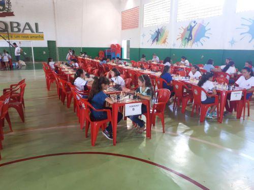 ALUNOS DE SÃO JORGE DO PATROCÍNIO SE DESTACAM EM TORNEIO REGIONAL DE XADREZ