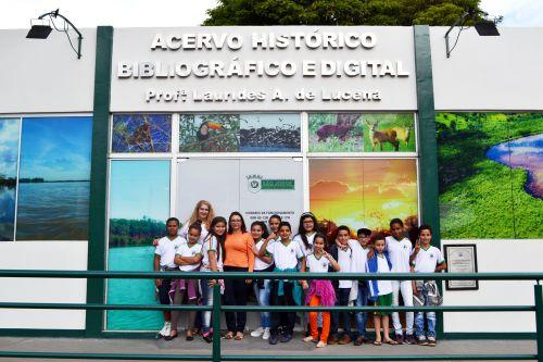 ALUNOS DE ESPERANÇA NOVA VISITAM ACERVO HISTÓRICO
