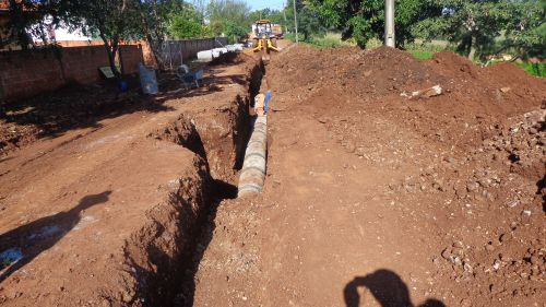 Obras de pavimentação, drenagem, calçadas e sinalização em 100% da sede do Município