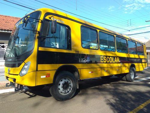 Leópolis recebeu 01 ônibus 0 km para atender os alunos da rede publica de ensino