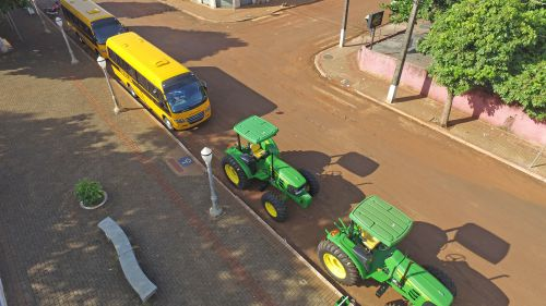 Aquisição de Trator Agrícola e Ônibus Escolares