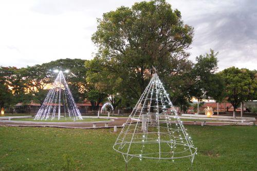 Decoração de natal nos distritos de Jandinópolis e Primavera