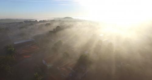 Frio chega com tudo no Paraná, e Leópolis fica com temperatura de 8 C nesta manha