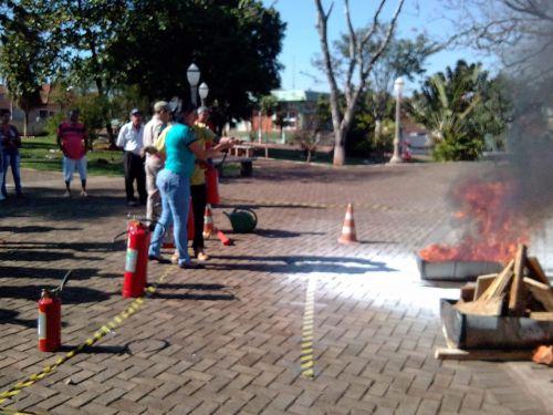 Prefeitura de Leópolis realiza Treinamento de Brigada de Incêndio