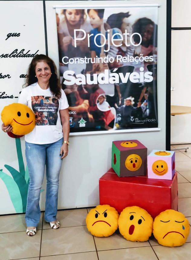 Psicóloga do município de Jesuítas desenvolve projeto na Rede Municipal de Educação