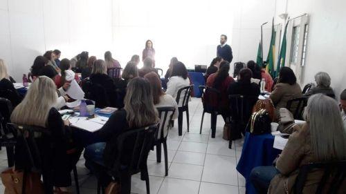 Educação Municipal de Jesuítas participa de Encontro de Formação Continuada