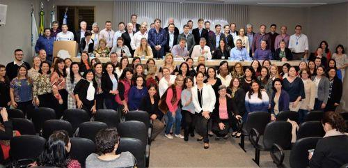Secretaria Municipal de Educação de Jesuítas participa da aprovação da Proposta Curricular do Oeste do Paraná