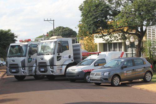 Governo Municipal de Jesuítas entrega veículos e equipamentos à população