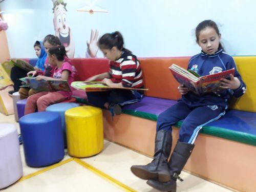 Veículo que incentiva prática da leitura deu início ao ciclo de visitas às escolas de Jesuítas
