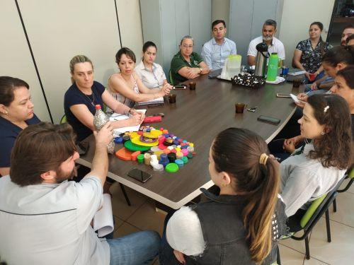 Projeto que visa adquirir cadeiras de rodas, com a venda de tampas e lacres, tem início em Jesuítas.