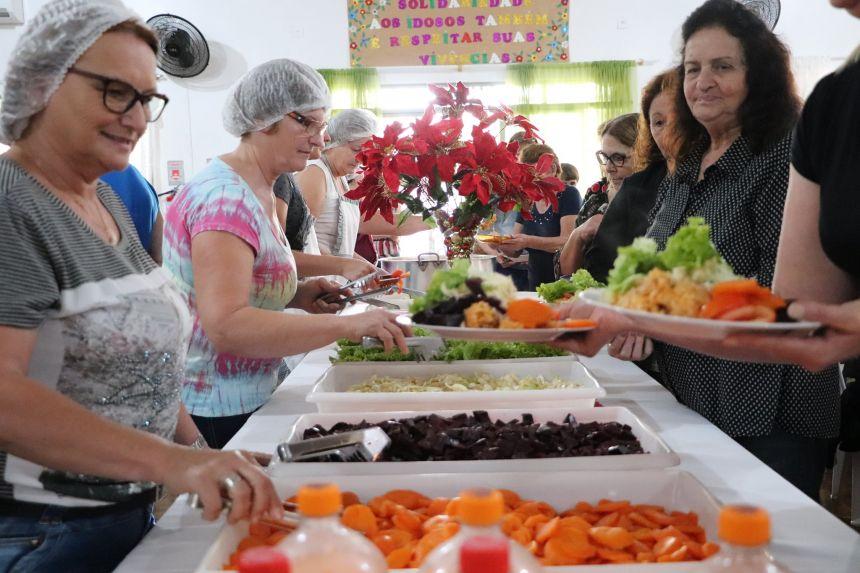 Confraternização marca o encerramento das atividades da Melhor Idade de Cafelândia