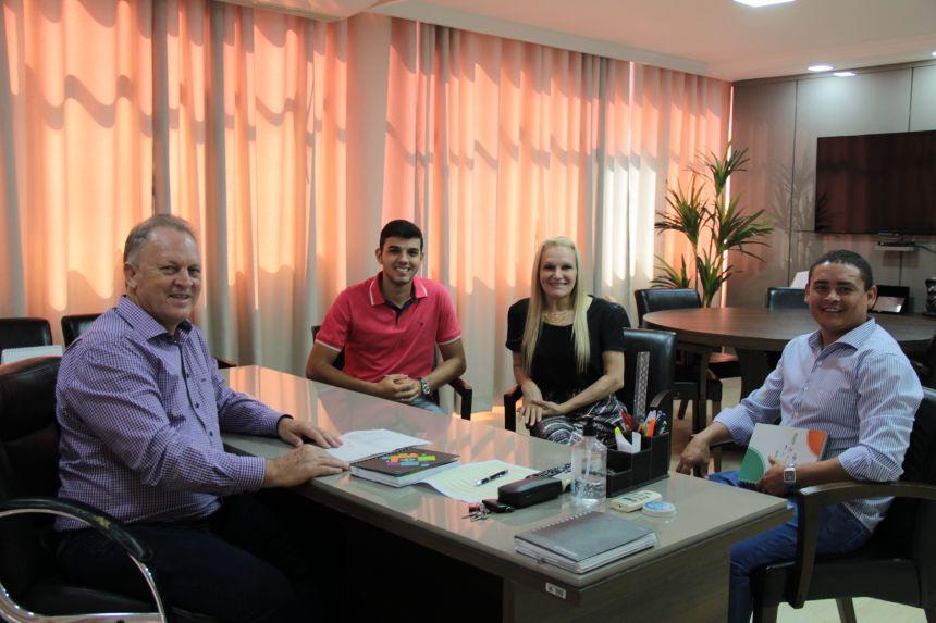 Governo Municipal fecha parceria que visa reduzir a taxa de desemprego em Cafelândia