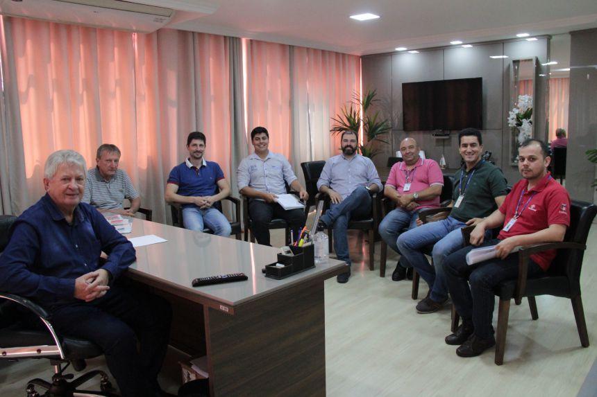 Dr. Franus recebe equipe da Sanepar em seu Gabinete