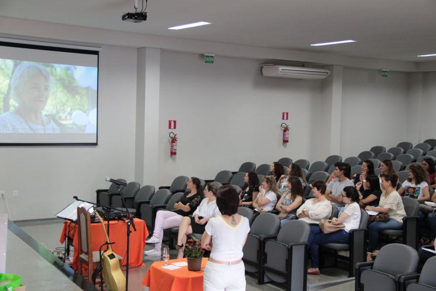 Professores da rede municipal de Cafelândia participam de capacitação