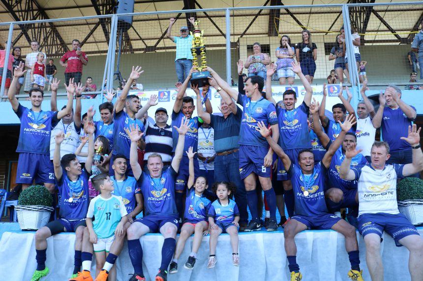 Cafelândia é tetracampeão da 10ª Copa AMOP de Futebol Amador