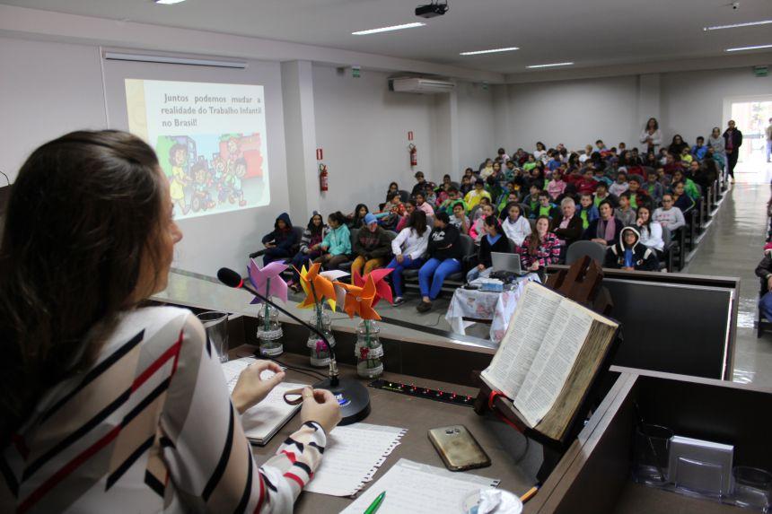 Secretaria de Assistência Social de Cafelândia realiza evento sobre o Combate ao Trabalho Infantil