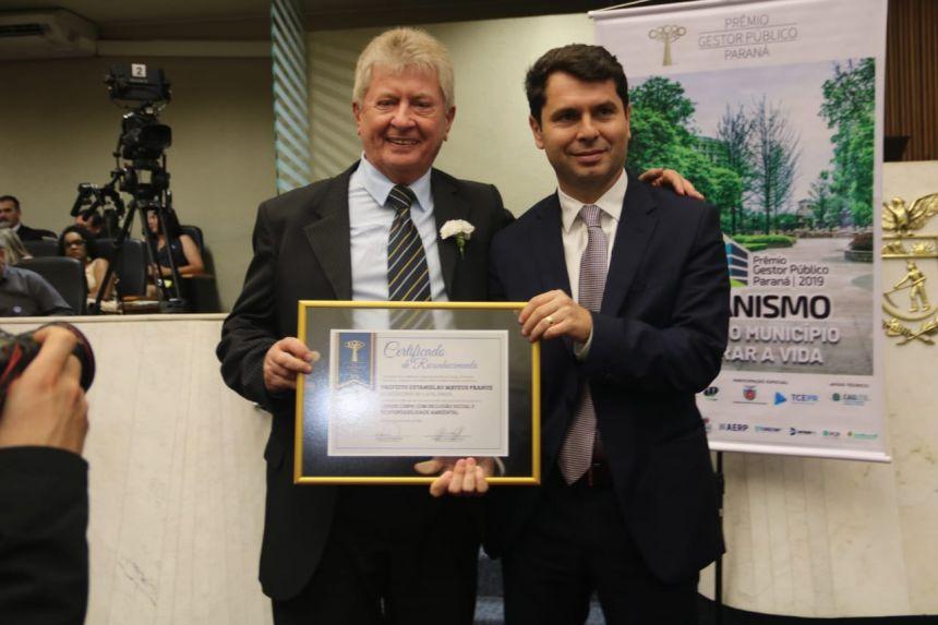 Prefeito Dr. Franus recebe mais uma vez o Prêmio Gestor Público com o Programa Cidade Limpa