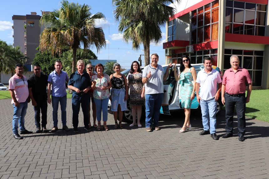 Secretaria de Assistência Social de Cafelândia recebe 2 veículos 0KM