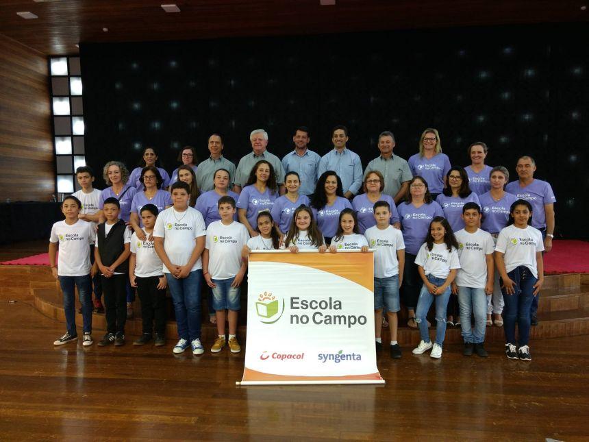 Alunos das escolas municipais de Cafelândia participam do Escola no Campo