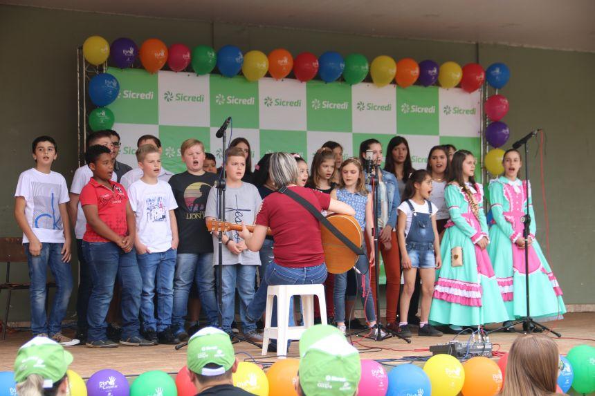 Feira da Terra - Dia C é realizada com sucesso em Cafelândia