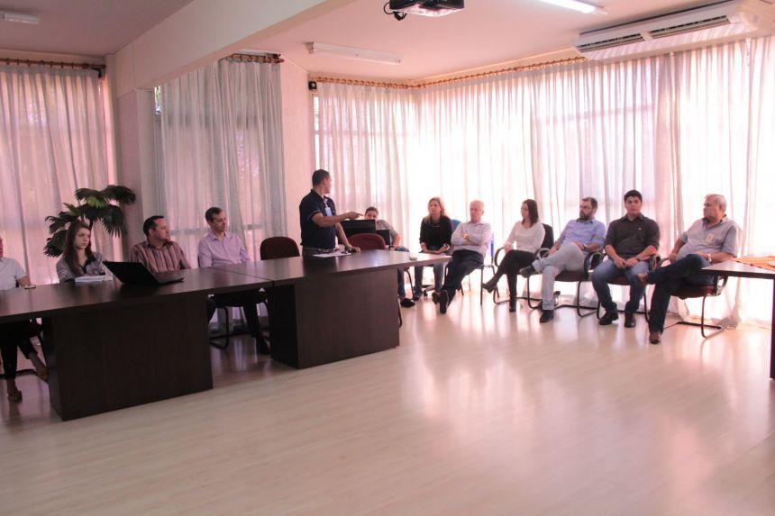 Dr. Franus se reúne com integrantes do Comitê Gestor
