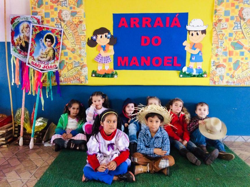 Escola Manoel da Nóbrega encerra o semestre com festa julina