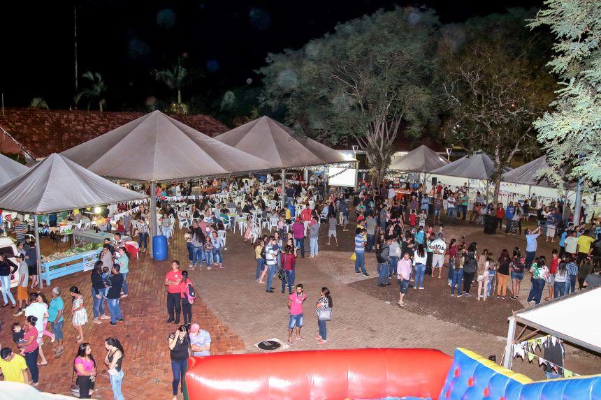 Feira da Terra Junina é realizada com sucesso em Cafelândia