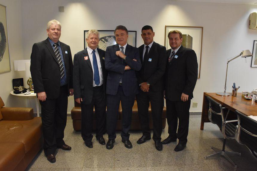 Prefeito Dr. Franus visita Gabinete do Senador Alvaro Dias