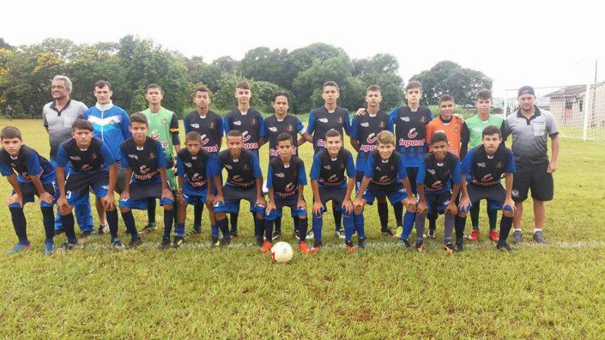 Escolinha de Futebol de Cafelândia estreia com vitória em campeonato