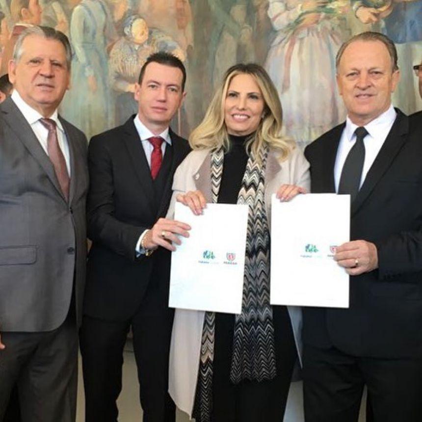 Vice-prefeito, Lorenço Pierdoná, assina convênios para Cafelândia