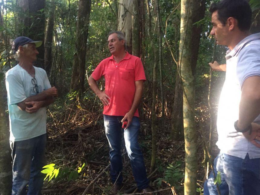 Autoridades visitam obras em estradas rurais