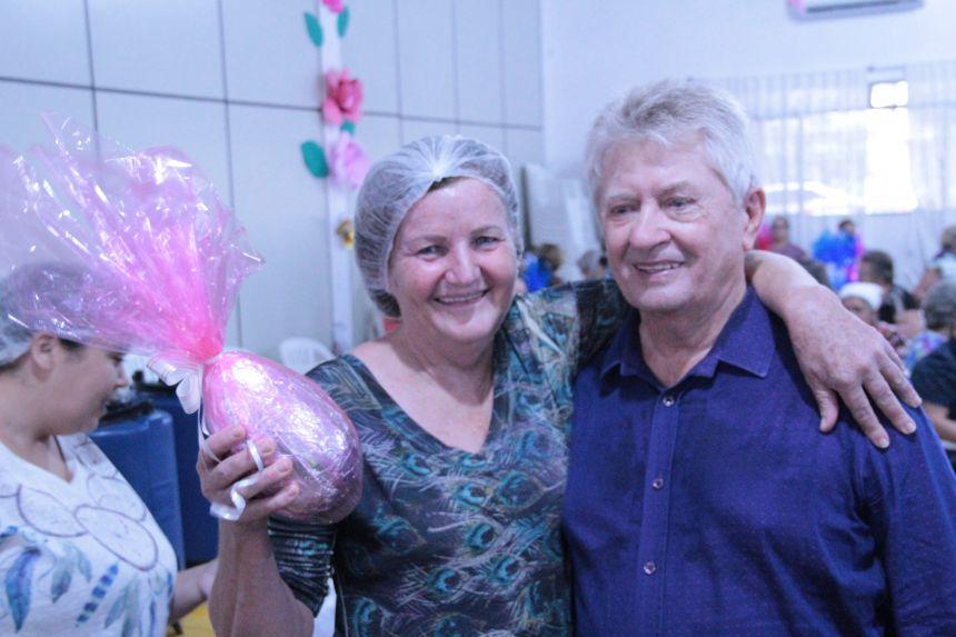 Terceira idade Cafelândia celebra a Páscoa