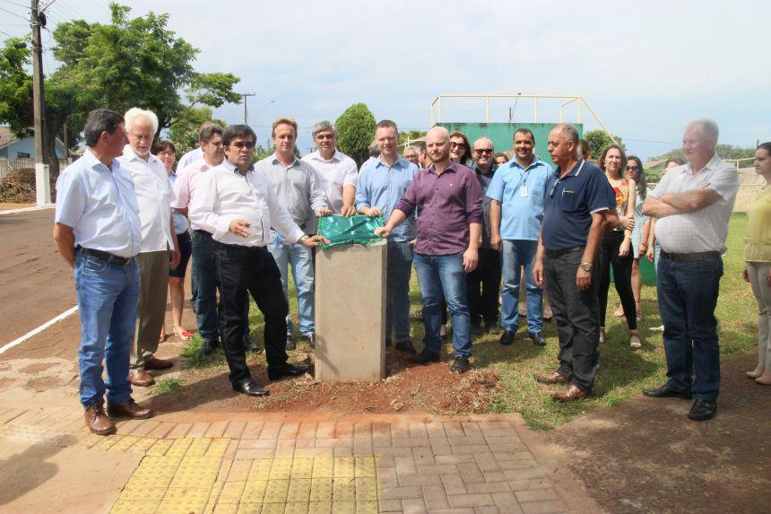 Aniversário de Cafelândia é comemorado com entrega de obras