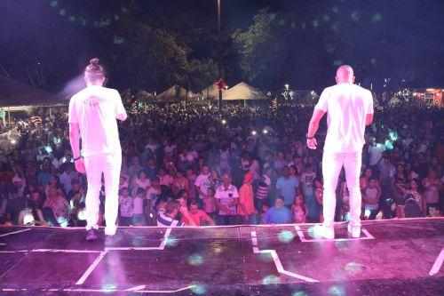 Show da virada em Cafelândia atrai mais de 4 mil pessoas