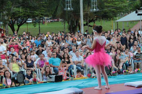Apresentações culturais do fim de semana concentra 8 mil pessoas na Praça Brasília