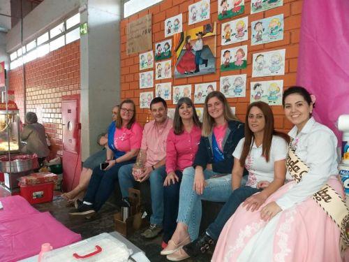 Secretaria de Saúde realiza ação do Outubro Rosa no FECAART