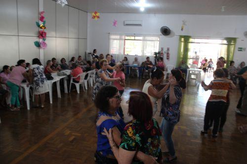 Vovós de Cafelândia celebram o Dia das Mães