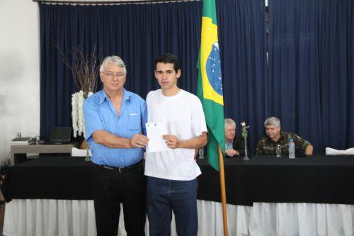 Jovens de Cafelândia recebem o certificado de dispensa do Serviço Militar