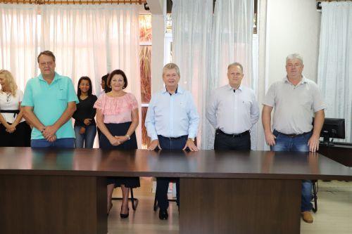 Prefeito Dr. Franus retorna à Prefeitura de Cafelândia