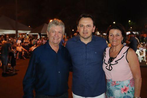 Shows com o Padre Ezequiel e Ari Correia marcam o 1º dia de festa dos 37 anos de Cafelândia