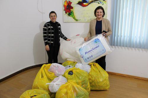 CRAS  recebe doações de agasalhos do Sicredi