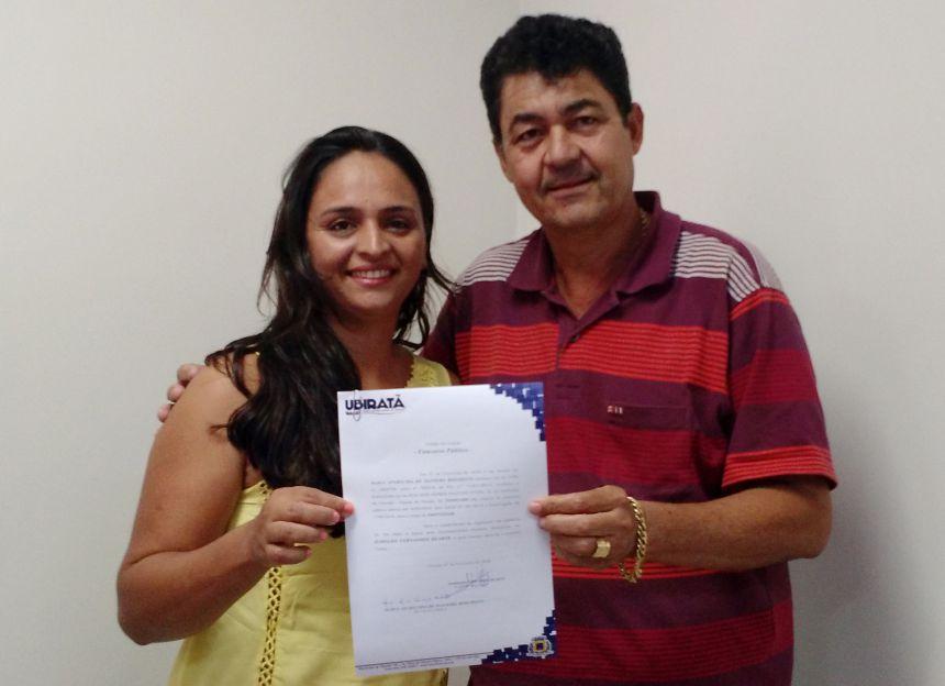 14 novos servidores aprovados em concurso tomaram posse em Ubiratã