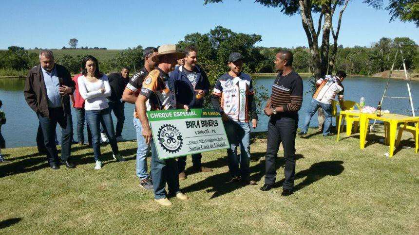 Bira Bikers faz doação para Santa Casa de Ubiratã