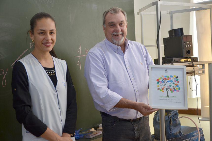 Prefeito Baco visita Colégio Santo Antônio e responde perguntas dos alunos