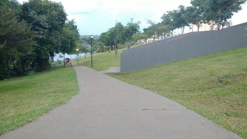Administração municipal efetua melhorias no Lago