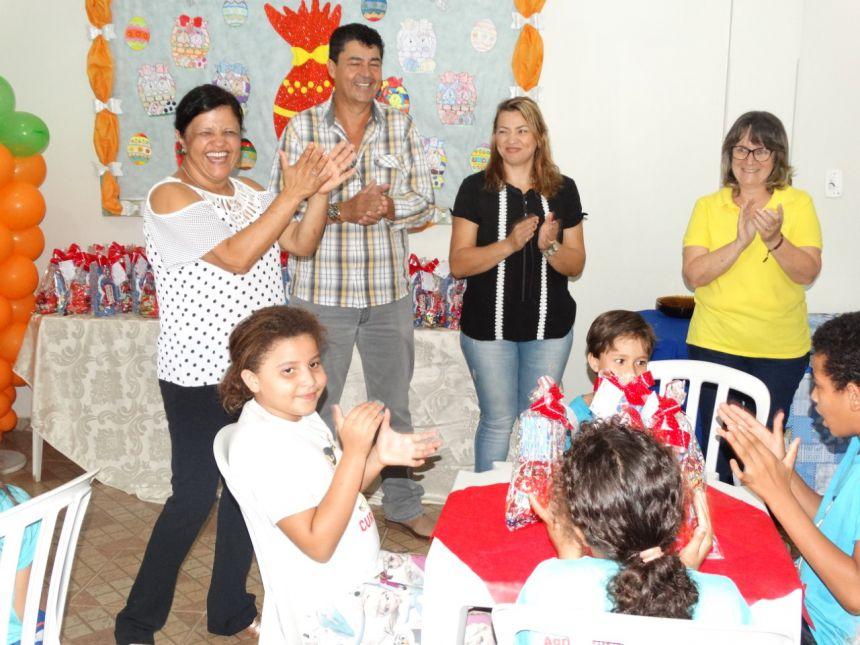Festa especial de Páscoa para as crianças do Curumim
